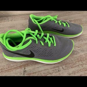 Nike Lunar Glide Boys size 4Y